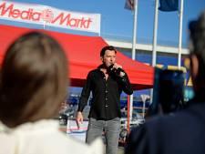 Volkszanger Tino Martin is in Hengelo een ster voor zijn fans