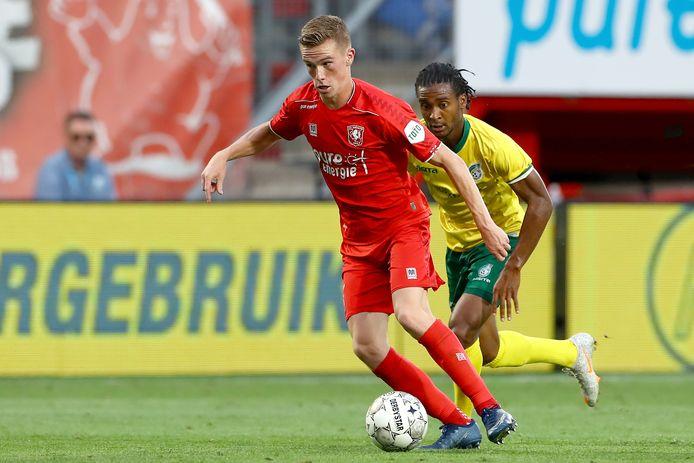 Daan Rots in het oefenduel tegen Fortuna Sittard.
