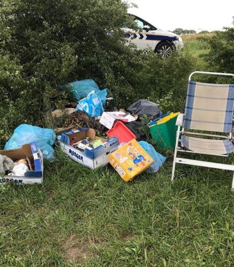 Troep op strandjes in 't Wild aan de Maas: handhaver wil eigenaar vragen gebied af te sluiten voor bezoekers
