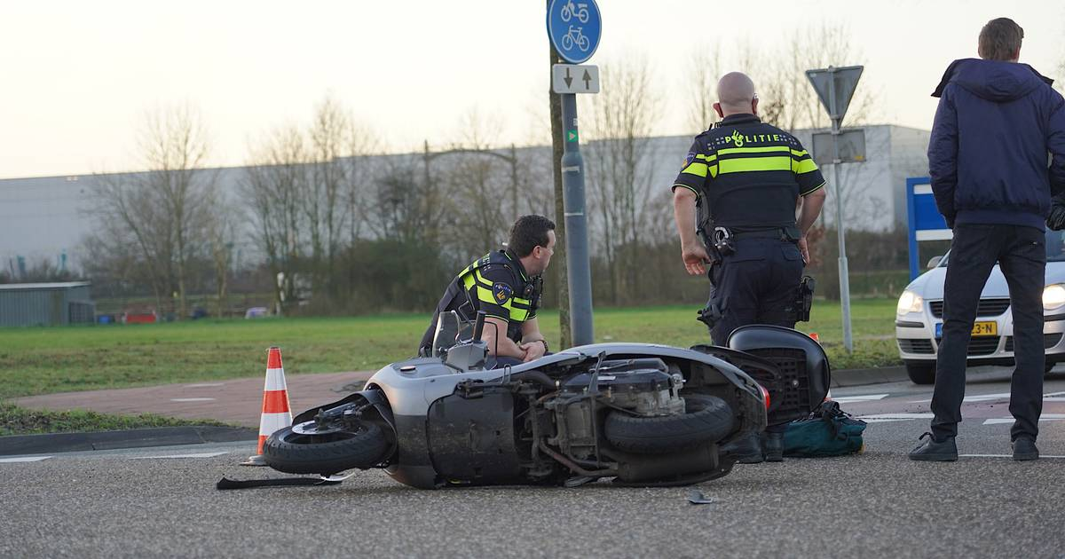 Scooterrijder gewond bij ongeluk met auto in Rijen.