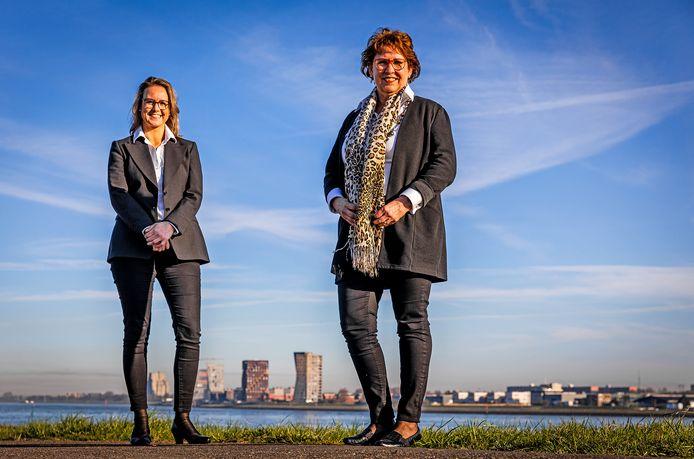 Paméla Blok, oud-wethouder van Westvoorne en oud-deelgemeenteraadsvoorzitter van Rozenburg, met op de achtergrond Astrid Boon. Een telefoontje van Astrid veranderde Paméla's leven ingrijpend. Samen gooiden zij het roer om en begonnen ze een uitvaartonderneming. Haar politieke loopbaan schuift steeds verder naar de achtergrond.