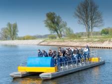 Grootste waterfiets ter wereld weer te water in Hattem