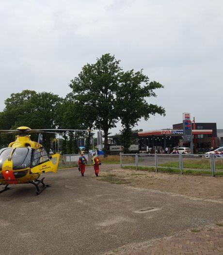 Traumahelikopter opgeroepen na ongeluk met motor in Geesteren, weg afgesloten