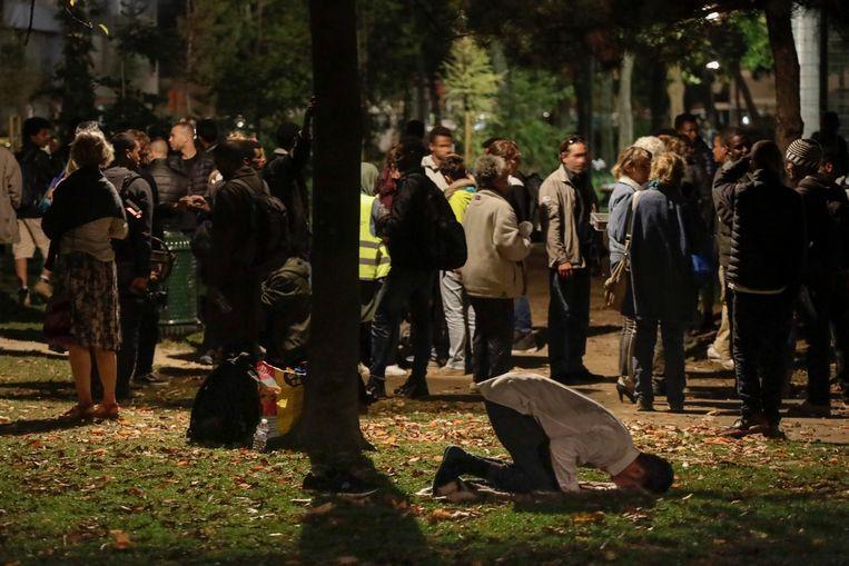 De politie blijft controleren in het Maximiliaanpark, verduidelijkte de Brusselse burgemeester vandaag. Beeld belga