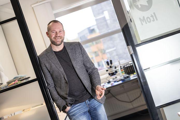 Directeur Jurryt Vellinga , directeur van Sencure, de start-up die chips voor biomedische toepassingen produceert.