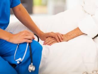 Verpleegkundigen slaan alarm over nieuw loonmodel voor alle Belgisch zorgpersoneel