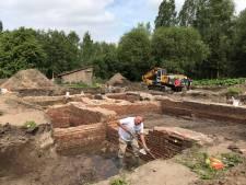 Archeologen stuiten in Vught op eeuwenoude en nog gave restanten van kasteeltje Spreeuwenburg