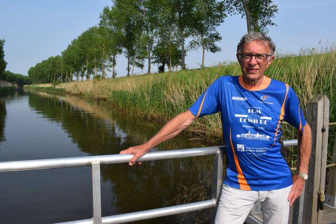 Alex Cocquyt, voorziter van De Krekenlopers, bij de prachtige Leopoldsvaart.