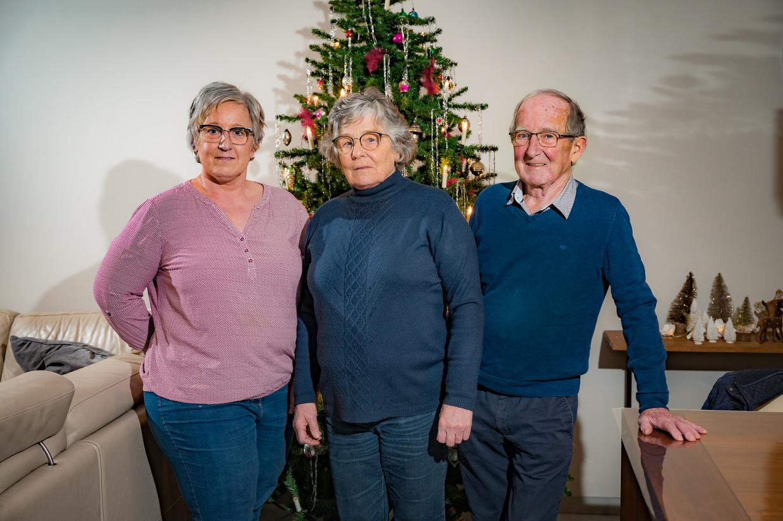 Christel Lenaerts, Lily en Clement getuigen over 'hun' Angèle, het eerste covidslachtoffer in wzc Hemelrijck. Beeld Joel Hoylaerts/Photo News