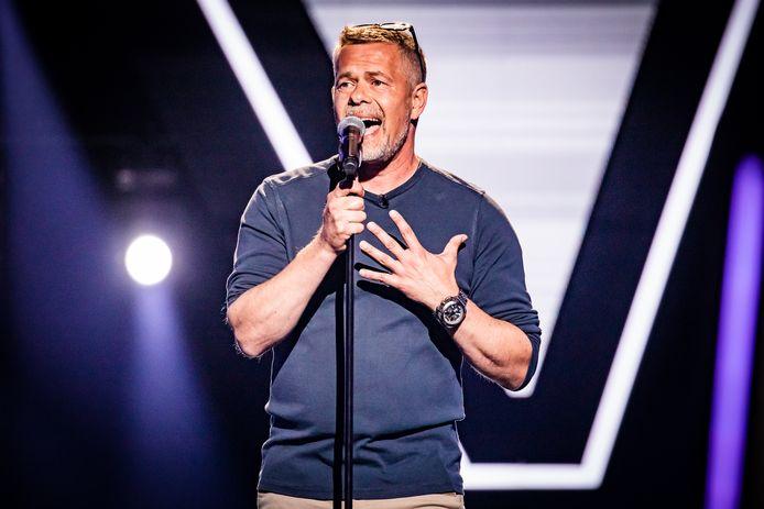 Manuel Rufo Molero op het podium van The Voice in 2019.