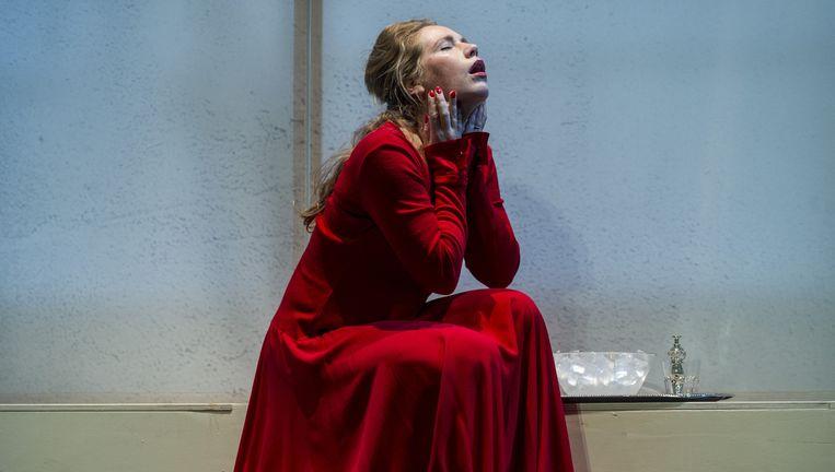 Actrice Hanne Arendzen in Eline Vere. Beeld Ben van Duin