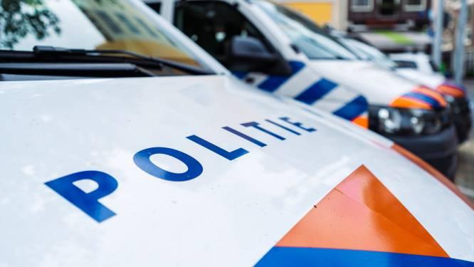 Telefoonzaken Bijlmerplein zetten beveiligers in na derde overval in 10 dagen: 'Tragisch'