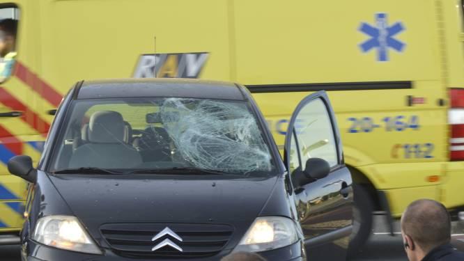 Scooterrijder gewond bij botsing met auto op Westerparklaan