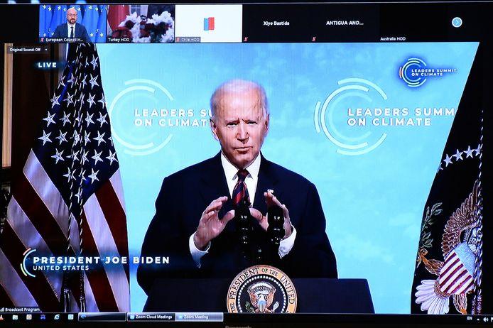 Joe Biden op de virtuele top die hij heeft samengeroepen over het klimaat.