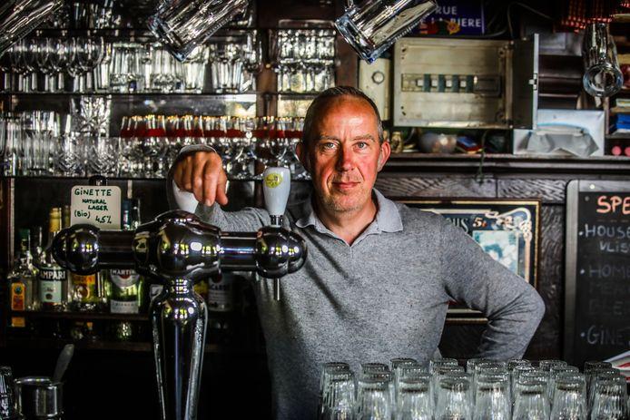 Bruno Chinitor, uitbater van Cafe Vlissinghe te Brugge