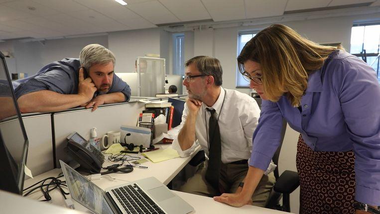 Op de redactie van 'The New York Times', bij de journalisten die het reilen en zeilen van Trump en zijn regering volgen. Beeld RV Showtime