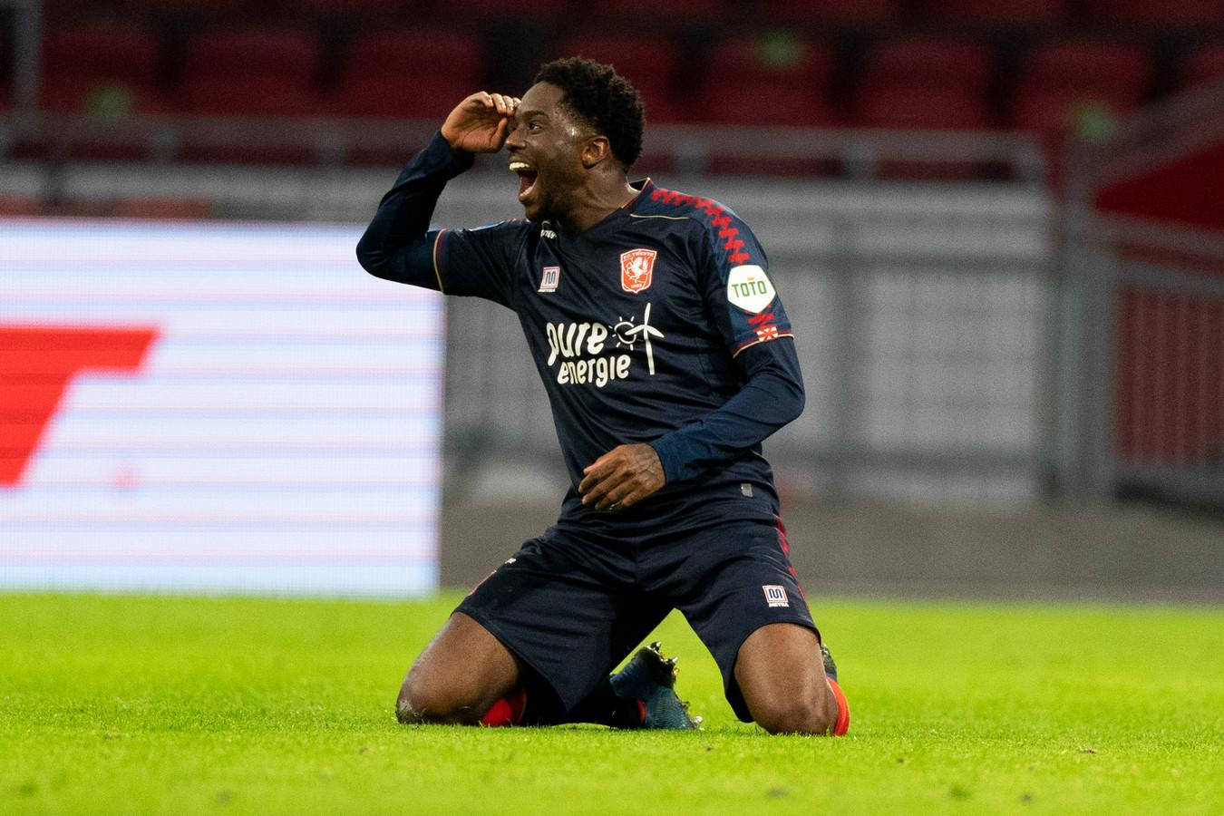 FC Twente-speler Queensy Menig kroonde zich met zijn twee goals tot man van de wedstrijd tegen Ajax.