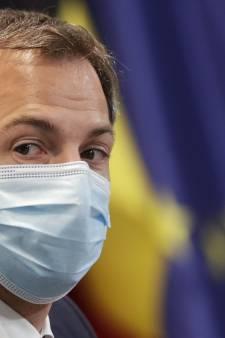 """Alexander De Croo hausse le ton: """"Cette épidémie devient une épidémie des non-vaccinés"""""""