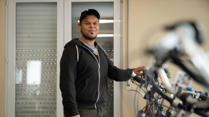 Ooit maakte hij drugs in bad, nu heeft hij zijn eigen fietsenwinkel: hoe Yves (38) zijn leven totaal omgooide na 7 maanden cel