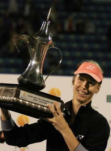 Elena Dementieva succède à Justine Henin au palmarès du tournoi.