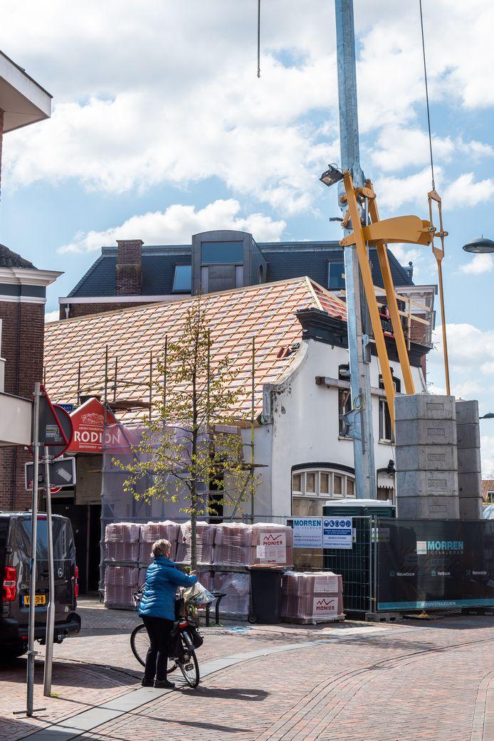 Er zit schot in de renovatie van café De Kloek in Oosterhout.