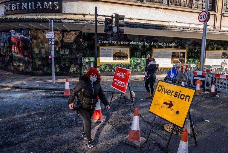 De teloorgang van Debenhams is compleet, de 118 filialen, zoals deze in Londen, sluiten de deuren.  Beeld Shutterstock