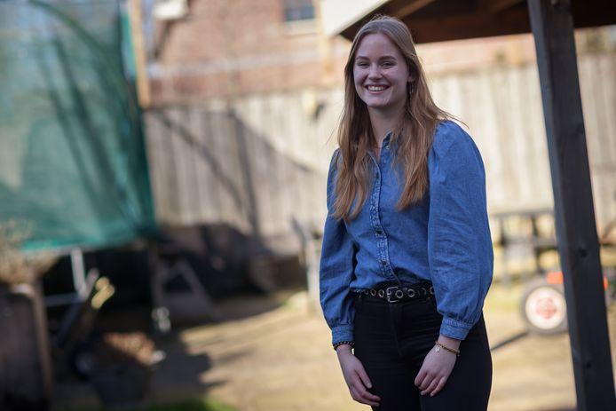 Wat stemmen jongeren die straks hun eerste stembiljet mogen invullen? Naomi Lockefeer uit Zevenbergen.