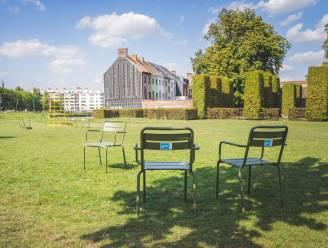 """Veertigtal olijfgroene stoelen gestolen in Coyendanspark: """"Dit is het tuinmeubilair van alle Gentenaars"""""""