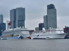 Spectaculair: zeven cruiseschepen  varen tegelijkertijd Rotterdam in