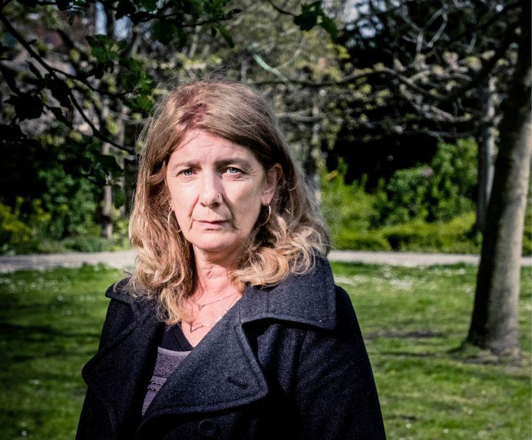 Patricia Vangheluwe verloor haar vader aan corona. 'Ik voel niks dan dankbaarheid voor het zorgpersoneel, maar op onze overheid ben ik ontzettend kwaad.' Beeld
