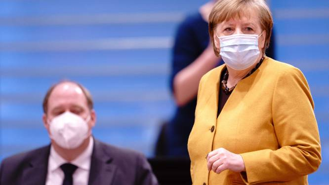 """Stafchef van Merkel: """"Gevaccineerden gaan zeker meer vrijheden hebben dan ongevaccineerden"""""""