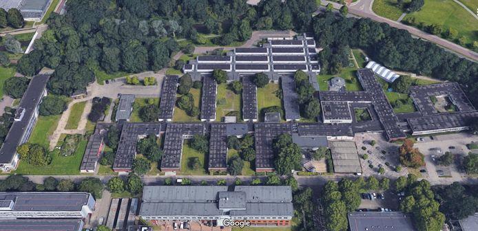 Het Paviljoen van de TU Eindhoven aan De Lismortel (onder). Rechtsboven is nog net de Ring te zien (Insulindelaan).