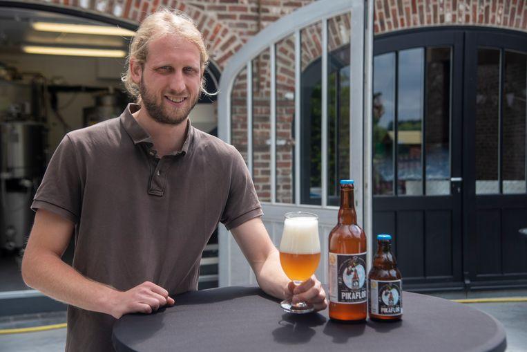 Steffen De Backer in zijn microbrouwerij Pikaflor.