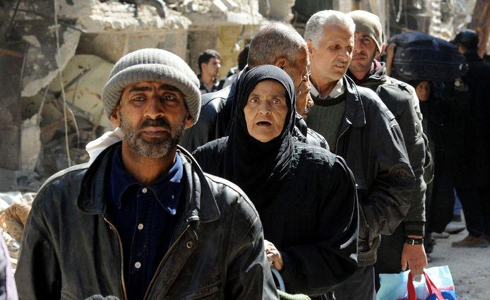 Palestijnen in de rij voor voedsel.