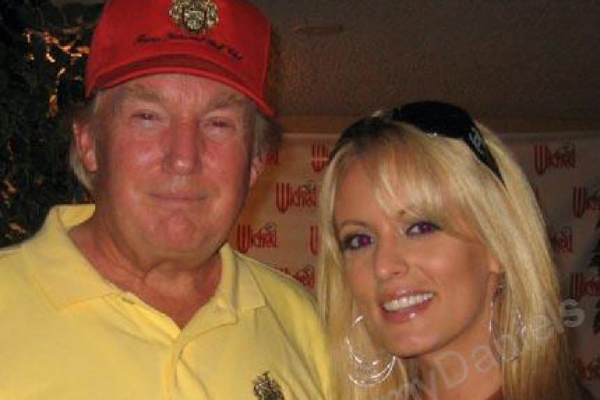 Trump met pornoster Stormy Daniels.