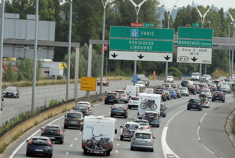 File op de A10 richting Bordeaux. Beeld AFP