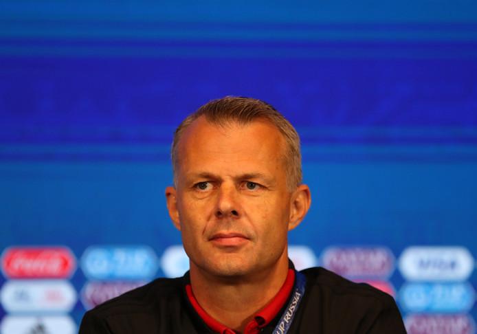 Arbiter Björn Kuipers.
