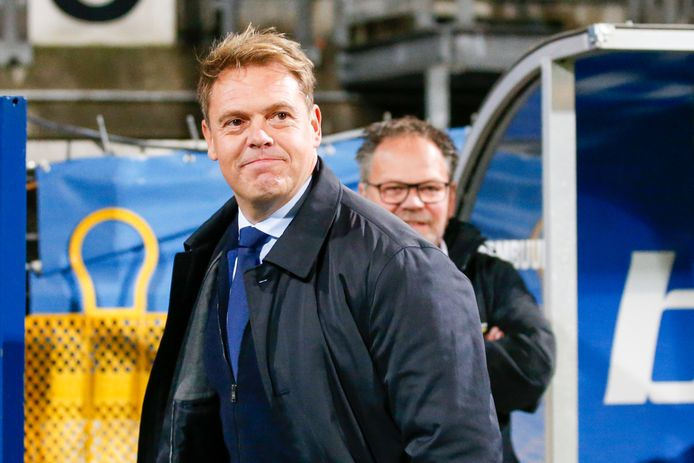 Almere City-coach Ole Tobiasen.
