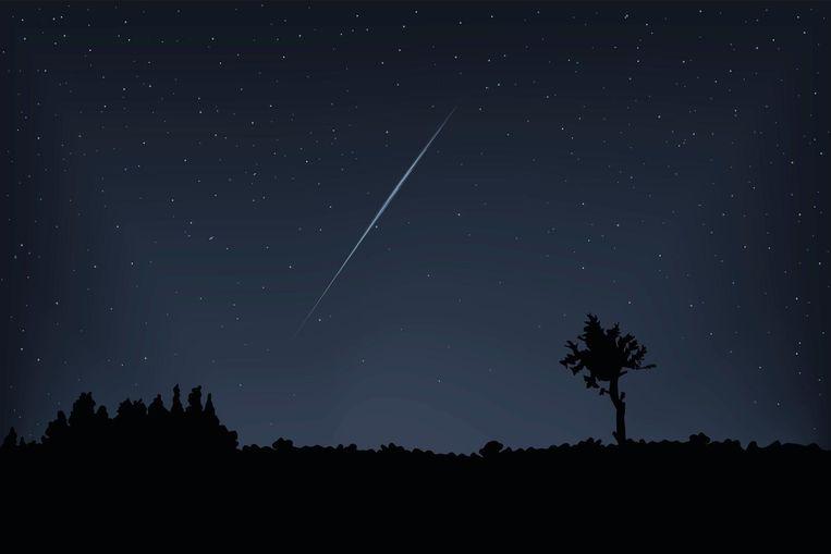 Lichtvervuiling is de grootste boosdoener. Ga daarom op een donkere plek staan, ver weg van alle stadslicht, om een vallende ster te kunnen spotten.