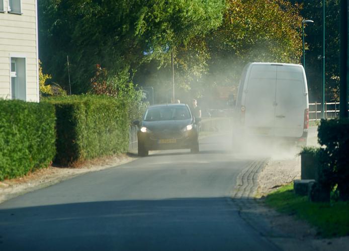 Volgens buurtbewoners wordt er al te lang veel te hard gereden op de smalle wegen in en bij Vorstenbosch.
