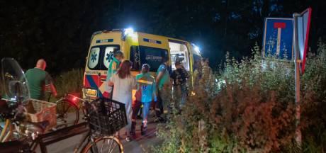Scooterrijder belandt in sloot na botsing met fietser op de Amersfoortseweg