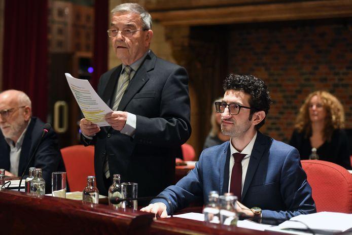 Stad Leuven wil Louis Tobback de titel van ereburgemeester geven en dient daarvoor een verzoek in bij de Vlaamse regering.