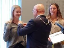 Zó jong al zo actief: lintjes voor Inge uit Boerdonk en Pip uit Veghel