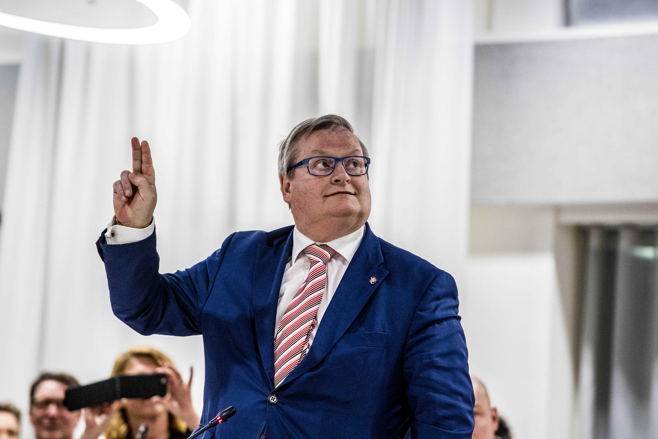 Hilbrand Nawijn, voormalig minister voor de LPF, legt in 2018 de eed af tijdens de installatie van de gemeenteraad van Zoetermeer