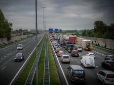 Op bijna alle snelwegen in de regio staat wel een file