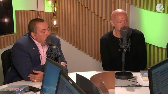 Toni Coppers en Erik De Soir tijdens de boekvoorstelling bij 'De Madammen' op Radio 2.