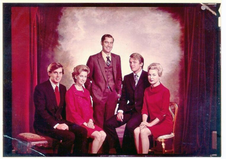 De broers en zussen-Trump, met vlnr. Robert, Elizabeth, Freddy, Donald en Maryanne. Beeld rv