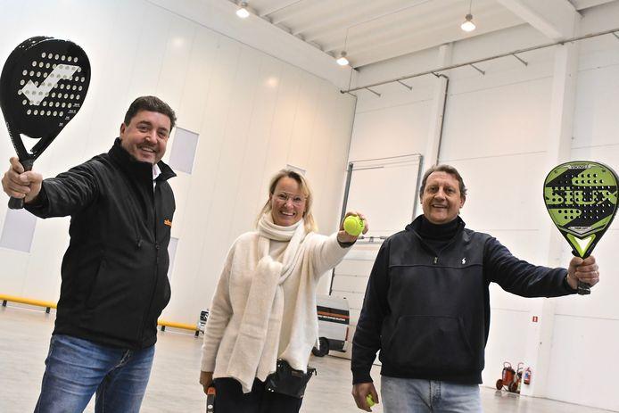 Kurt Deklerck van Adirack gaat in zee met Nathalie Gheysen en Steve Schrauwen van Vision 21 voor Indoorpadel by Vison 21 @ Adirack.