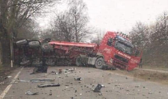 De ravage na het ongeval is bijzonder groot.
