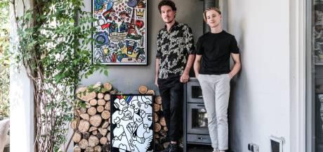 Een schilderij vol symbolen voor Rik en de overleden Damien: 'Het is een vrolijk kunstwerk geworden'
